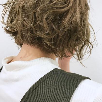 🌈❤️💜ケアブリーチ➕ダメージレスカラー➕髪質改善トリートメント➕バングカット➕ブロー料金込み❤️💜