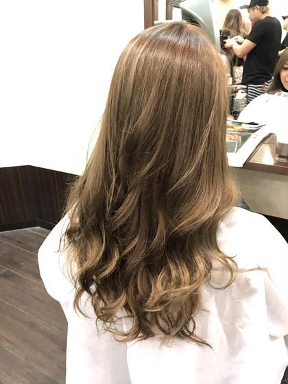 カラー ロング 色落ちが赤み系になりやすい髪質なので、 アッシュベージュにグリーンで 赤み消して、透明感抜群❗️  ✅menu ⚪︎カラー ⚪︎トリートメント ⚪︎ブロー代込み  ¥7,850