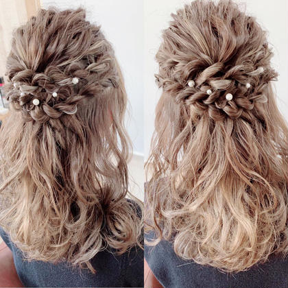 結婚式や二次会などのお呼ばれにぴったりのハーフアップスタイルです! HairHomeno.8所属・有坂里恵のスタイル