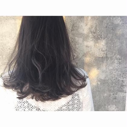 カラー セミロング ミディアム ロング Real salon work✂︎ [シークレットハイライト×グレイッシュ]  中間〜毛先に細めにハイライトを入れる事で、ブリーチハイライト部分の退色後も目立ちにくく、立体感と透明感のある髪色に☝︎髪色が厳しい方にも◎ . #NAKAIstyle #シークレットハイライト#ハイライトカラー#カラー#グレイッシュ#グレージュ#ブルージュ#外国人風カラー#大人の外国人風#お客様カットカラー