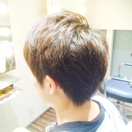 短髪は好きじゃないけど多毛なのがお悩みのモデルさん!全体の印象は短すぎず、でも夏なのでもみあげから襟足にかけてはすっきり! ASCH八事店所属・原詩織のスタイル