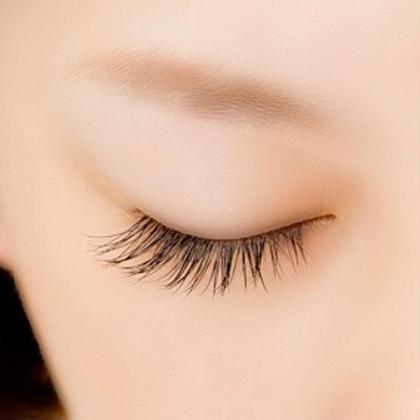 【再来の方】❣️まつ毛を自然に増やしたい方にオススメ❣️60本