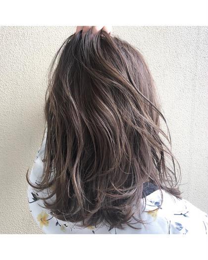 ハイライトを入れる事によって透明感抜群カラー☆ hair-brace所属・stylistHIIRAGIのスタイル