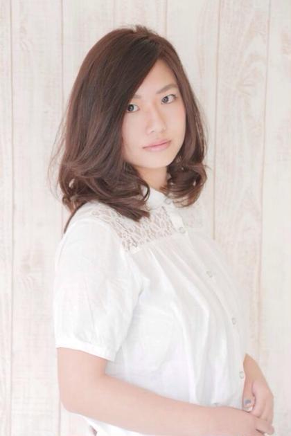重めボブで下に動きが出るように insence 二子玉川所属・高橋恵子のスタイル