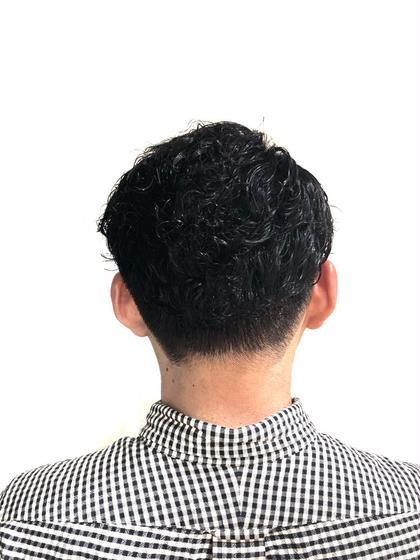 0.3mmから0.9mmのフェードカット 友野卓海のメンズヘアスタイル・髪型