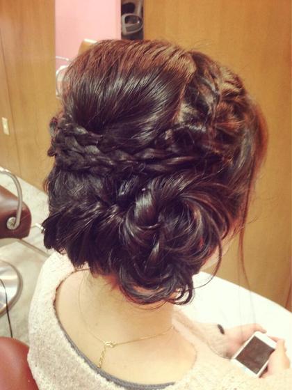 結婚式2次会にオススメな、ゆるかわアレンジ♪ Wの編みこみで華やかな後ろ姿に☆ shiang(シアン)所属・かやぬまあやのスタイル