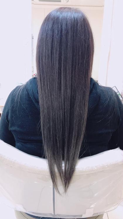 中間から毛先ブリーチしていてでも根元の白髪はしっかり染めたい! でも毛先はまだ遊びたい! できます!! 艶トリートメントもお任せください\(^^)/ Ash 北千住店所属・柞山史奈のスタイル