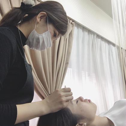 施術風景⭐️ 眉毛サロンDUAL 恵比寿所属・松本ゆう子のスタイル