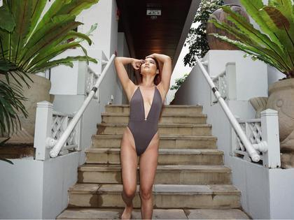 VIOブラジリアンワックスをしてこの夏、可愛い水着を着ましょう!
