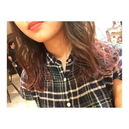 カラー ロング long style . gradation color 【 pink lavender💓】    毛先に淡いラベンダーを入れて夏色に❣️ ブリーチ1回で、綺麗に染まります✨   全体をブリーチするのが嫌な方には かなりオススメです‼️    グラデーションは、巻くと 可愛さが、かなり増します💕  簡単で、可愛い巻き方も教えます👍🏻