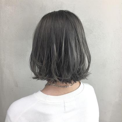 〰️ gray 〰️ 濃いめにグレーを入れてあげると色持ちが良いので 色落ちも楽しめます🐇❤︎  HONEY所属・シバナナコのスタイル