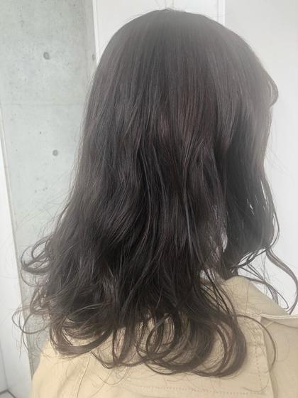 ash grey / ブリーチなし ☺︎ せきぐちまゆのセミロングのヘアスタイル