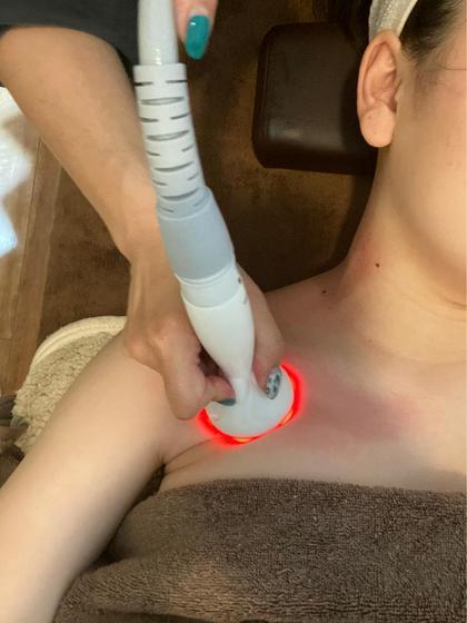 ⭐️おすすめNO.1⭐️首から肩デコルテの疲れ解消‼️心地よいラジオ波と吸引で温めて解して流してすっきり最高のリラックス