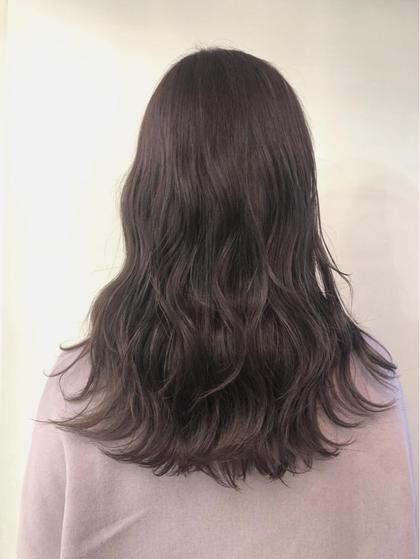 その他 カラー セミロング もともとブリーチ毛でオレンジ黄色っぽく退色した髪の毛にワンカラーでパープルアッシュをいれました💗!  黄みっぽく退色するのを防いでくれるのでブリーチ毛の方におすすめです🌸