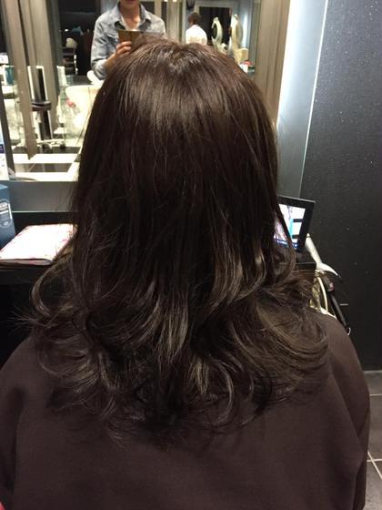 暗めのアッシュで染めました! 髪の毛が伸びたらグラデーションにしたいとのことだったので、赤みが出ないようにほんのりマットを入れさせていただきました!  EARTH  北千住所属・堀越喬寛のスタイル