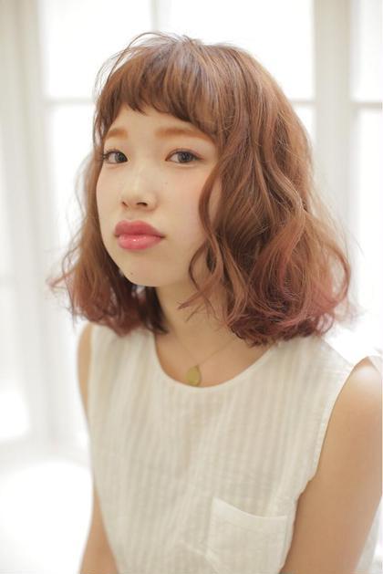 ふんわりボブスタイル♪ 毛先にかけて赤のグラデーションを♪ Hair&Nail  Lee 西宮店所属・山田楓のスタイル