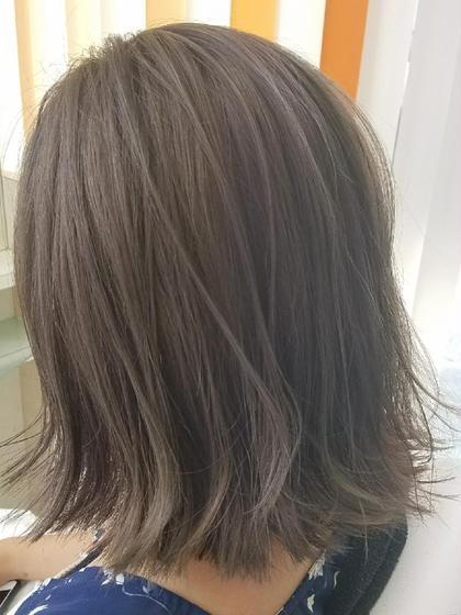 仲田桃子のミディアムのヘアスタイル