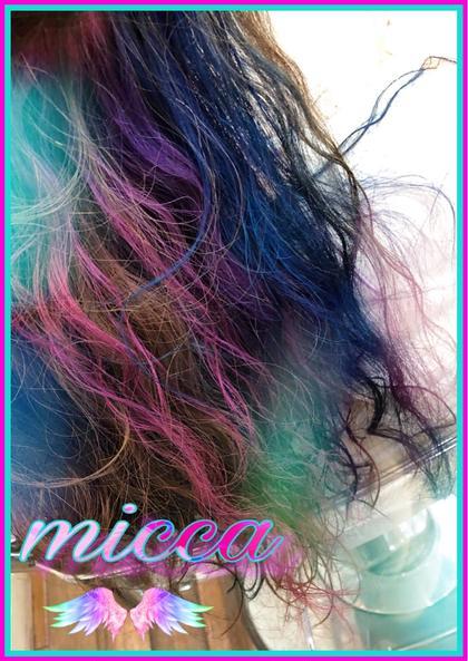 後ろの中の方をブリーチして、ピンク、パープル、ブルー、グリーンを入れて インナーユニコーンカラー☆