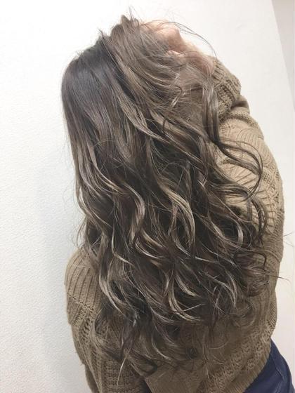 hair color グラデーションカラー アッシュグレージュ 美容室HEART所属・齊藤しおりのスタイル