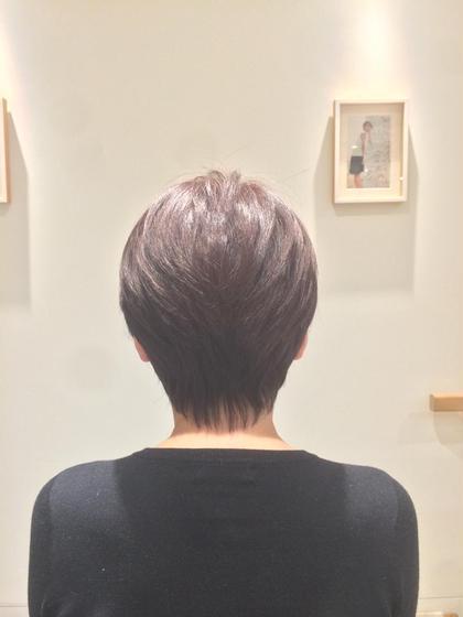 後頭部にボリュームを出し 首に沿ってくびれが付くスタイルです! 横から見たときに綺麗なシルエットになります! hair do所属・露崎遼のスタイル