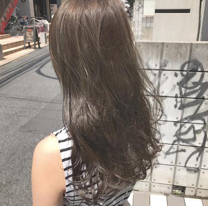 カラー ロング マットグレージュ! 髪質によってはブリーチなしでもイルミナカラーでこの透け感が出せます。