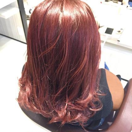 色味がしっかりでて、マニキュアで染めたかのようなカラーです!  色持ちもいいので気になる方は是非どうぞ✨ Agu hair three所属・トップスタイリスト★英山大樹のスタイル