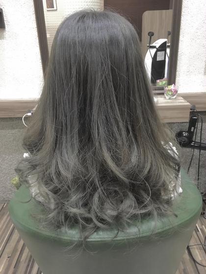 グレー強めのグレージュです(^ ^) 軽くグラデーションが入ってます! Hair Salon Be-one所属・佐々木洋輔のスタイル