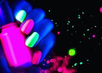 その他 カラー キッズ ショート ネイル パーマ ヘアアレンジ マツエク・マツパ メンズ 話題沸騰中glownail入荷しています 暗闇の中で光る蓄光ネイル いち早く夏の間にお試し下さい  選べる二色 クーポン有ります★ 03-5728-4343 渋谷センター街ZARA目の前3階 10時から22時営業 年中無休   小田急線 祖師ヶ谷大蔵2分にもnailsgogo有ります 03-6411-3939