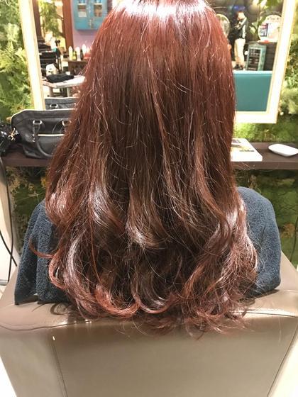 黄ばみを抑えたレッドカラー HairPeople所属・仲座裕菜のスタイル