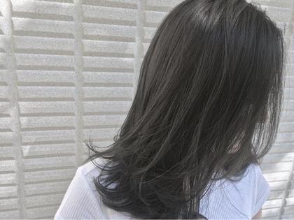 【 イルミナカラー × シアーグレージュ 】  スーッと透ける 透明感 のあるカラーは夏を涼しく感じさせるね ♪   高江秀聡のヘアスタイル・ヘアカタログ