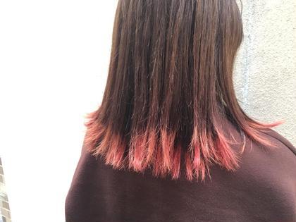 毛先のみブリーチしてピンクを入れました! femmeatelier所属・西上絵里沙のスタイル