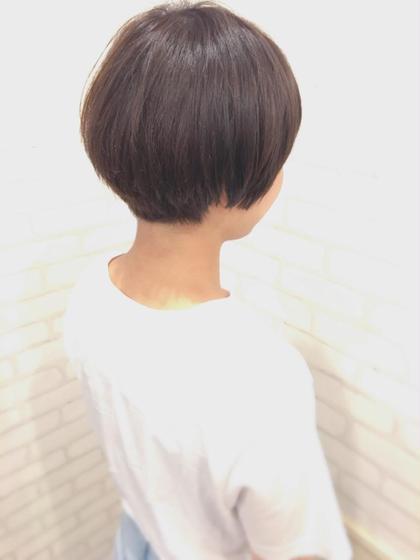 毛先がブリーチ毛で退色して金髪になってたのをなるべく自然な感じでトーンダウンしました( ^ω^ )
