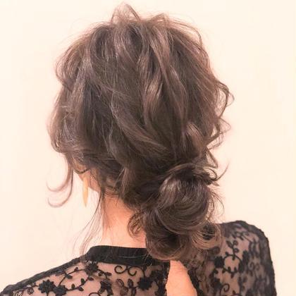 ルーズな結婚式ヘアセットです💒 インスタ映えはまちがいのなしです✨ オシャレな方や こなれ感、抜け感を求めてる方に オススメです♡  ヲタク美容師 ❤︎ヲタク美容師❤︎のヘアアレンジ