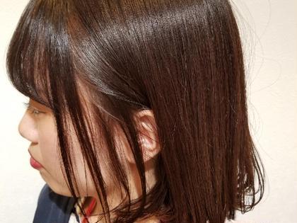 シンプルなワンレングズのカットです。 外ハネも内巻きもしやすいよう、毛先の質感を調整させていただきました。 SHRIMP久屋大通店所属・柘植 俊希 ツゲ トシキのスタイル