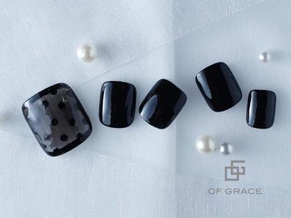 Of Grace所属の黒臼 のネイルデザイン