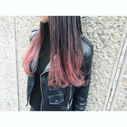 黒髪にピンクバイオレットのグラデーションカラー。 Musiiikhairの