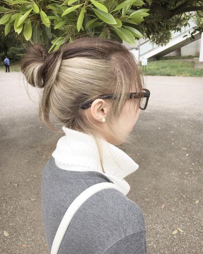 カラー セミロング ヘアアレンジ インナーカラーまとめ髪です✨