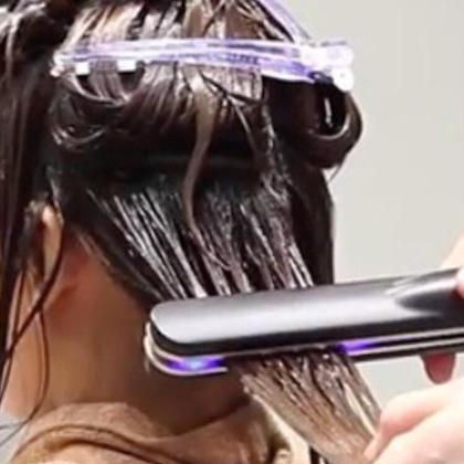 その他 ☆UNIVVERSEで人気のスペシャルヘアケアコース☆  髪の毛のダメージが気になる方 枝毛、切れ毛をなんとかしたい方 毎日アイロンやコテを使う方 髪の毛の乾燥による広がりを抑えたい方  この超音波アイロンケアプロを使うとトリートメント成分を髪の内部に浸透させてくれる優れもの♪