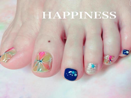 NailSalonHAPPINESS所属のNailSalonHAPPINESSのネイルデザイン