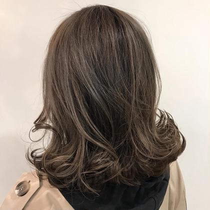 シークレットハイライトにブルーバイオレットをON! HairPlaceADDICTION所属・内田卓也のスタイル