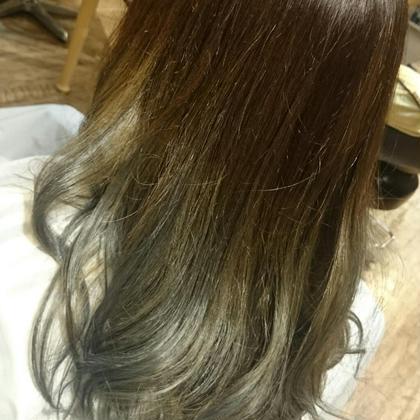 グラデーションカラー dilla戸田公園店所属・阿部眞里奈のスタイル