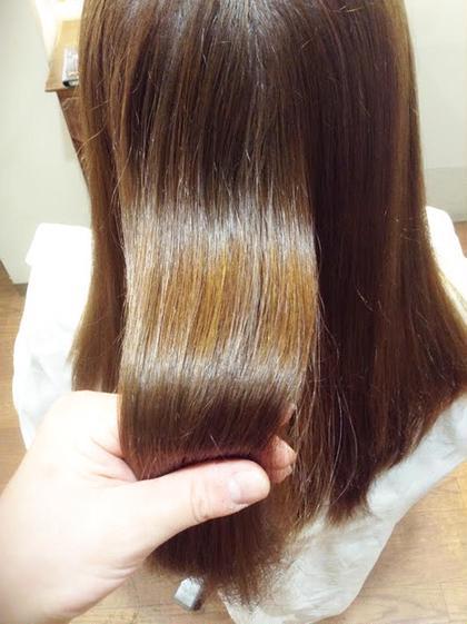 ハイトーンのカラーを繰り返していても乾かすだけでキレイな髪になります ダメージの原因を徹底排除して髪質改善エステトリートメントの効果でダメージから蘇える触り続けたくなる髪へ