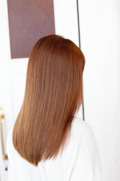 ツヤツヤ髪のサラサラ大人は、周りからも信用を得ます。 少しうねりある方や、ボリュームの出やすい方はボリュームダウンを進めます。 メンテナンスは、ミルボングローバルトリートメントで更にサラサラ。♂️ AdmiralbHairDesignアドミラルべー所属・アドミラルYoshioのスタイル