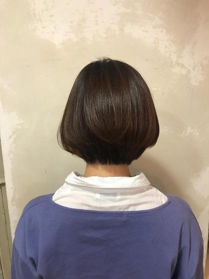 首が細く見えるグラデーションボブ✨ 後ろ姿もスッキリ見えてオススメです❤ 熊谷恵里のショートのヘアスタイル