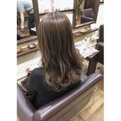 ブラウン系のカラーを使用する事で艶感と柔らかな雰囲気を出しました😃 巻き髪するとより可愛くなります🎶
