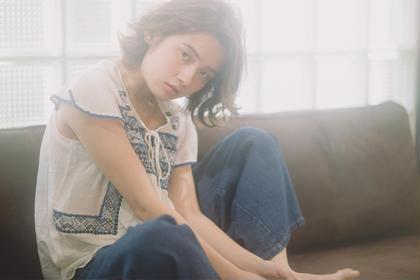 リラックスボブ♫  ツヤのあるハイトーンの透明感が色っぽい  夏らしく爽やかにゆれる無造作ボブディ kith,所属・本田寿雄のスタイル
