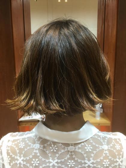 ラインをあえて残した切りっぱなしボブ。外ハネを作ってスタイリングすると個性が出てステキです。 Dejave  hair&space所属・山口雄己のスタイル