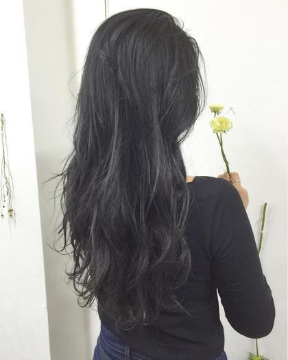 暗髪✖️透明感スペシャルハイライト✖️ブルーグレージュ チェルシーアパートメント所属・Fukuサロンオーナーのスタイル