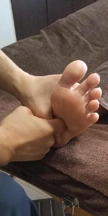 [通常メニュー]リフレクソロジー(足つぼ) 30分コース(足裏、側面、足首)
