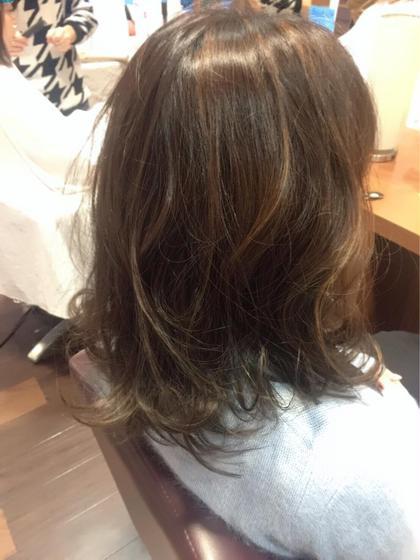 ハイライトをいれることで動きがでてかわいさUP❤️ おしゃれな髪色に☆  #ハイライト#ブリーチなし salondeSOHO所属・ひろせかなのスタイル